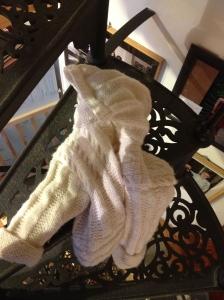 giacchino bianco per bebè con cappuccio