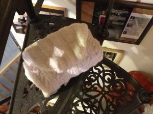 IMG_7829giacchino bianco per bebè con cappuccio