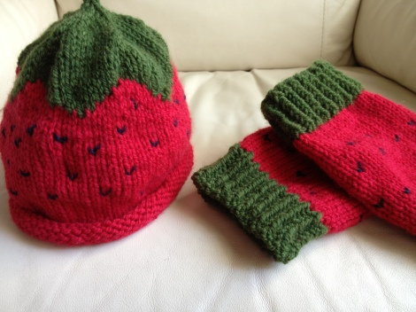 fragolino scaldamuscoli e cappellino