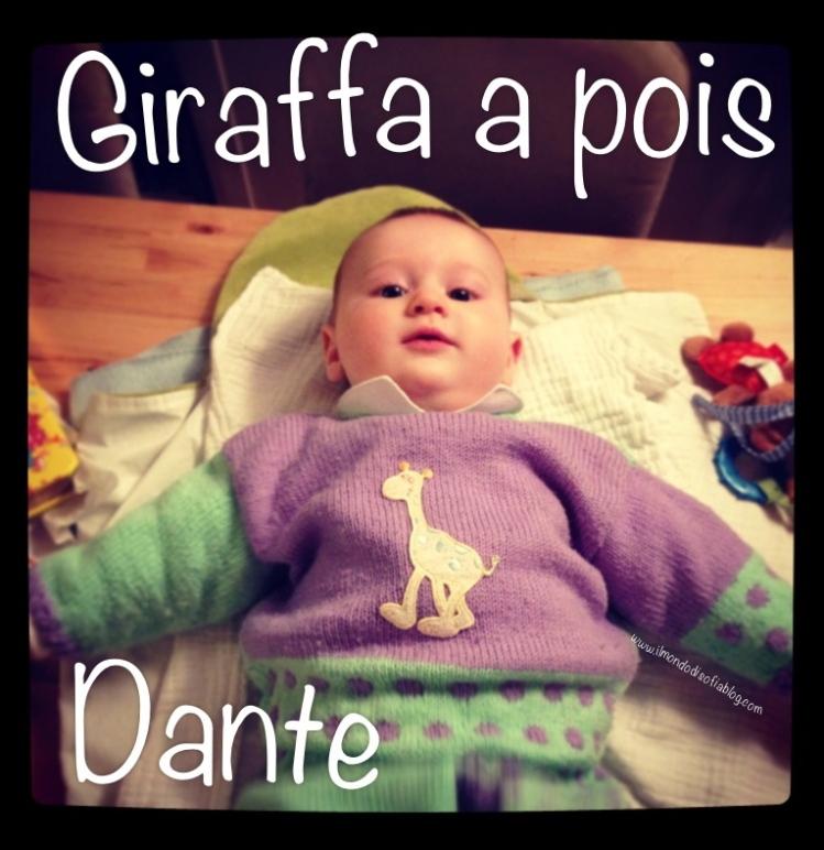 Tutina a maglia con giraffa a pois